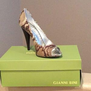 Gianni Bini Snakeskin Heels